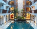 adhi-jaya-sunset-hotel-swimming-pool
