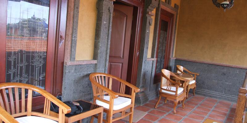 banyualit-spa-dan-resort-family-suite-terrace