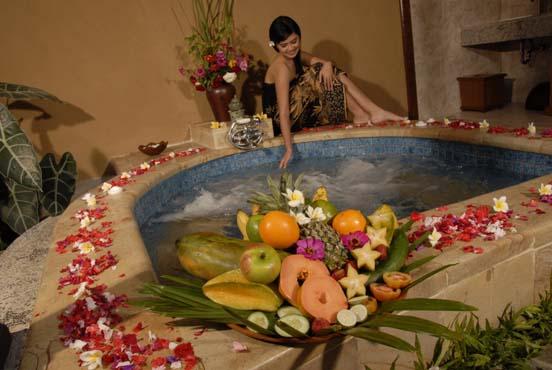banyualit-spa-dan-resort-jacuzi-villa-spa