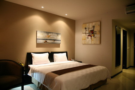 fave-hotel-superior-room-1