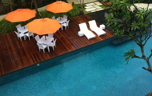 harris-sunset-road-pool-deck-area