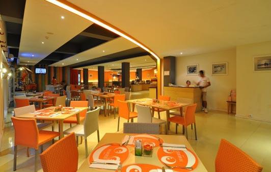 harris-resort-kuta-beach-harris-cafe