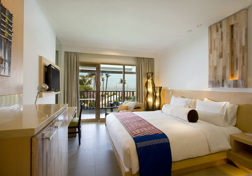 holiday-inn-resort-baruna-room-1