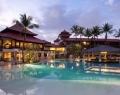 holiday-inn-resort-baruna-swimming-pool
