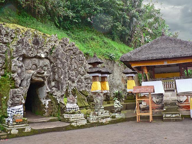 elephant-cave-temple-2