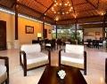 pat-mase-villa-lobby