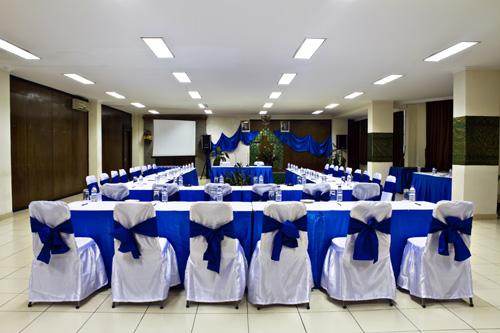 puri-dibia-hotel-meeting-room