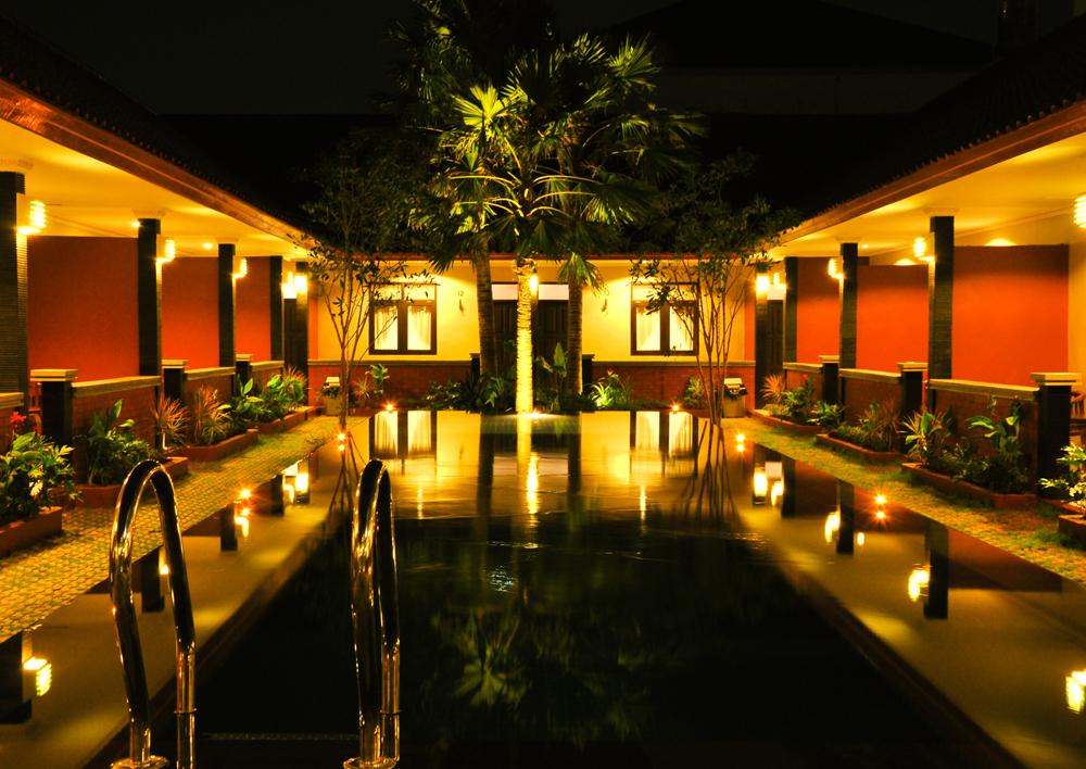 puri-ganesh-kuta-hotel-swimming-pool