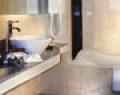respati-beach-hotel-bathroom