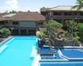 wina-holiday-villa-pool-01