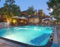 wina-holiday-villa-pool-02