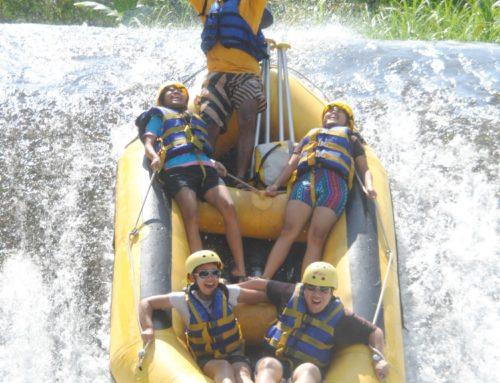 Pengalaman rafting di Sungai Telaga Waja, Keren !